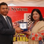 Guest of Honour, Mr. Nayyar Iqbal, receiving Souvenirs from MD LSS Dr. Salma Mian.